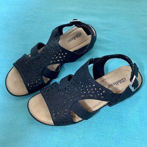 Black  Cobbie Cuddlers Sandals Sz 5 W. Cushioned